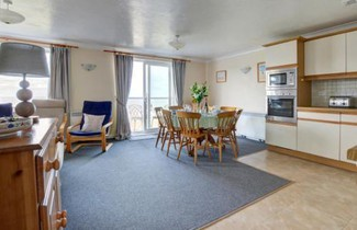 Apartment Flat 28 Clifton Court 1