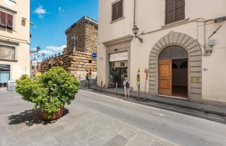 HEART OF FLORENCE Pitti 2 Bed-Apartment 1