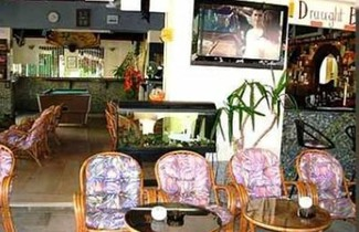 Photo 1 - Harry's Bar & Apartments 1