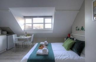 Blenheim Holiday Apartments 1