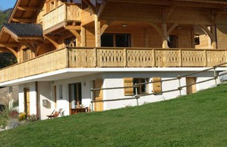 Foto 1 - Spacious Chalet with Terrace in Saint-Jean-d'Aulps
