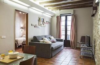 Photo 1 - AinB Las Ramblas-Guardia Apartments