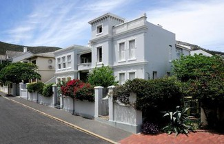 Photo 1 - Barry Hall Apartments