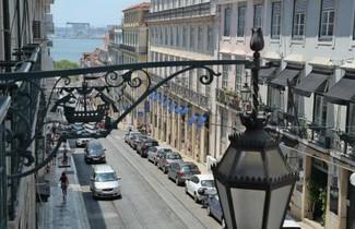 Photo 1 - Lisbon Chiado apartments