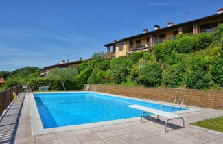 Photo 1 - Apartment in Puegnago del Garda with swimming pool