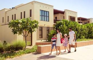 Foto 1 - RH- 3BR Villa, Family Fun in RAK, access public beach