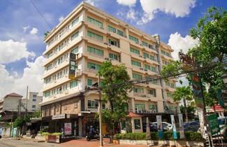 Foto 1 - Nara Suite Residence Bangkok