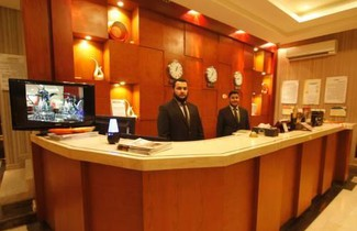 Photo 1 - Manazel Al Hamra Apartment
