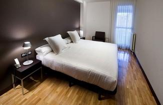 Photo 1 - Apartamentos Mendebaldea Suites