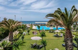 Photo 1 - Marinos Beach Hotel-Apartments