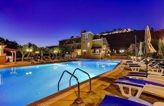 Photo 1 - Ionis Hotel