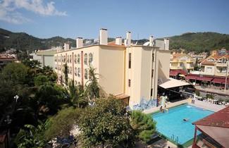 Photo 1 - Grand Villa Sol Apartments