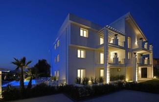 Photo 1 - Apartment in Lonato del Garda with private pool