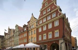 Photo 1 - Solny Square Aparthotel