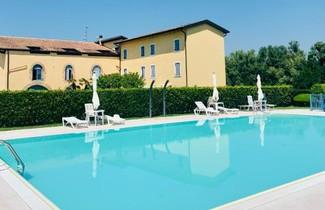 Photo 1 - Apartment in Peschiera del Garda with private pool