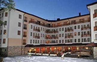 Photo 1 - Villa Park Guest Apartments