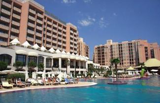 Photo 1 - Royal Beach Apartments