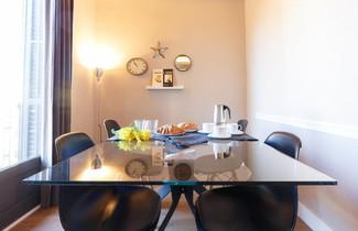 AinB Eixample-Miro Apartments 1