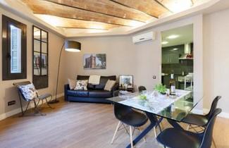Photo 1 - AinB Eixample-Miro Apartments