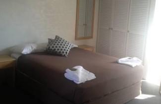 Bathurst Apartments 1