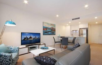 Accommodate Canberra - Iq Smart Apartments Braddon 1