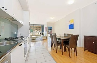 Astra Apartments Sydney 1